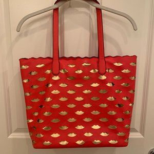 Melie Bianco Lips Cutout Tote Bag, Tomato Red w/ Gold